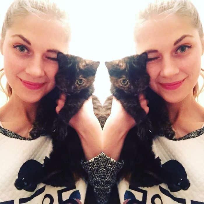 Занда с котенком